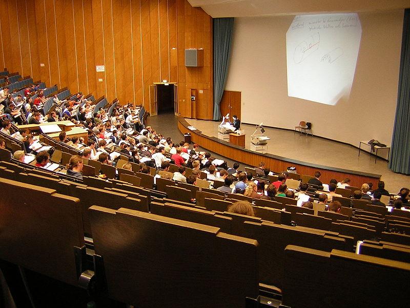 Dando la vuelta a las clases magistrales con las flipped classrooms