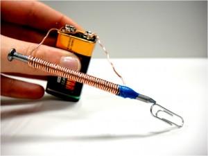 Construye un electroimán en este experimento