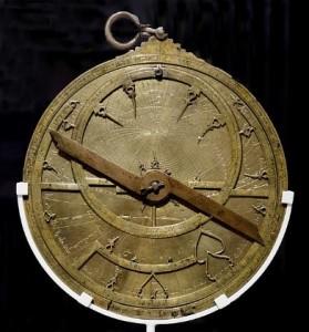 Astrolabio del siglo XI, construido en un taller de Toledo, similar al que pudo construir Hypatia.